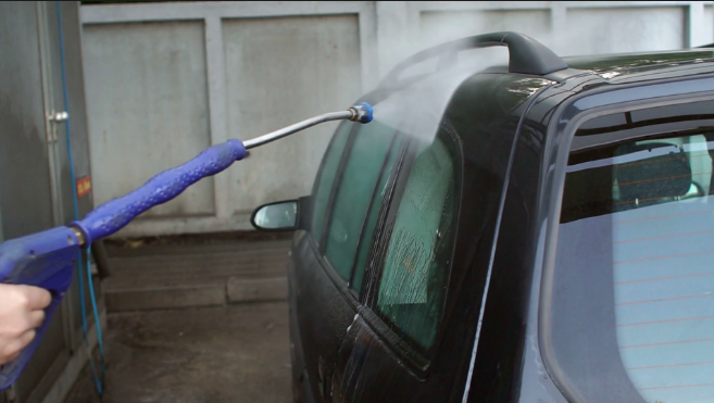 HIGH PRESSURE CAR CLEANING