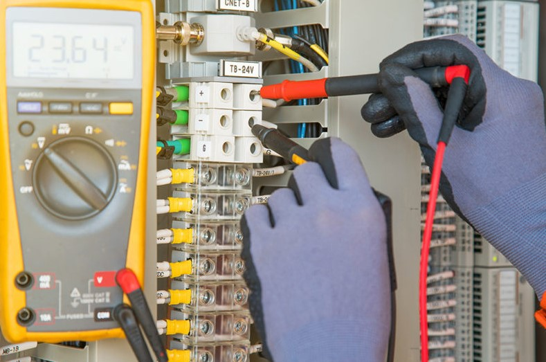 Industrial electrical maintenance